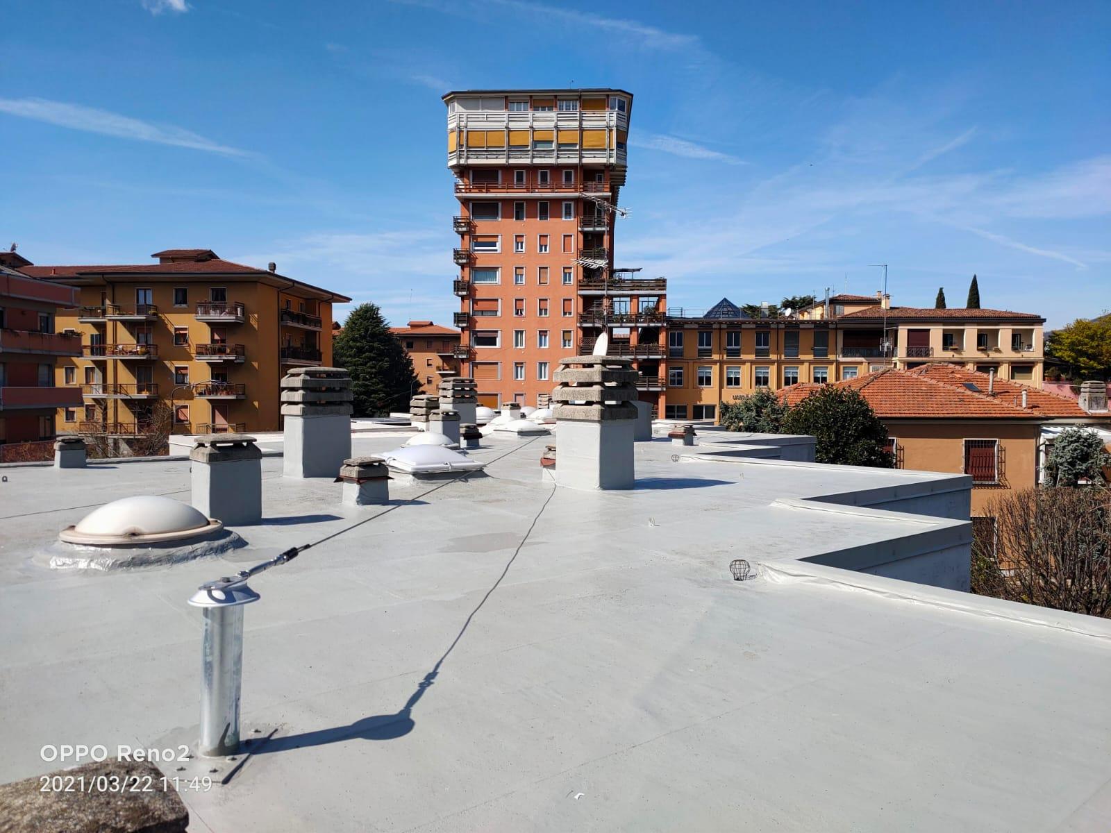 Impermeabilizzazione copertura piana con resine armate a Brescia